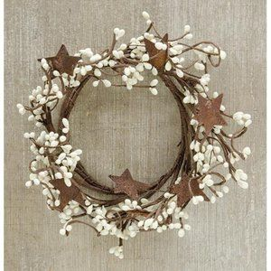 """Cream Pip Berry 8"""" Ring With Rustic Stars"""